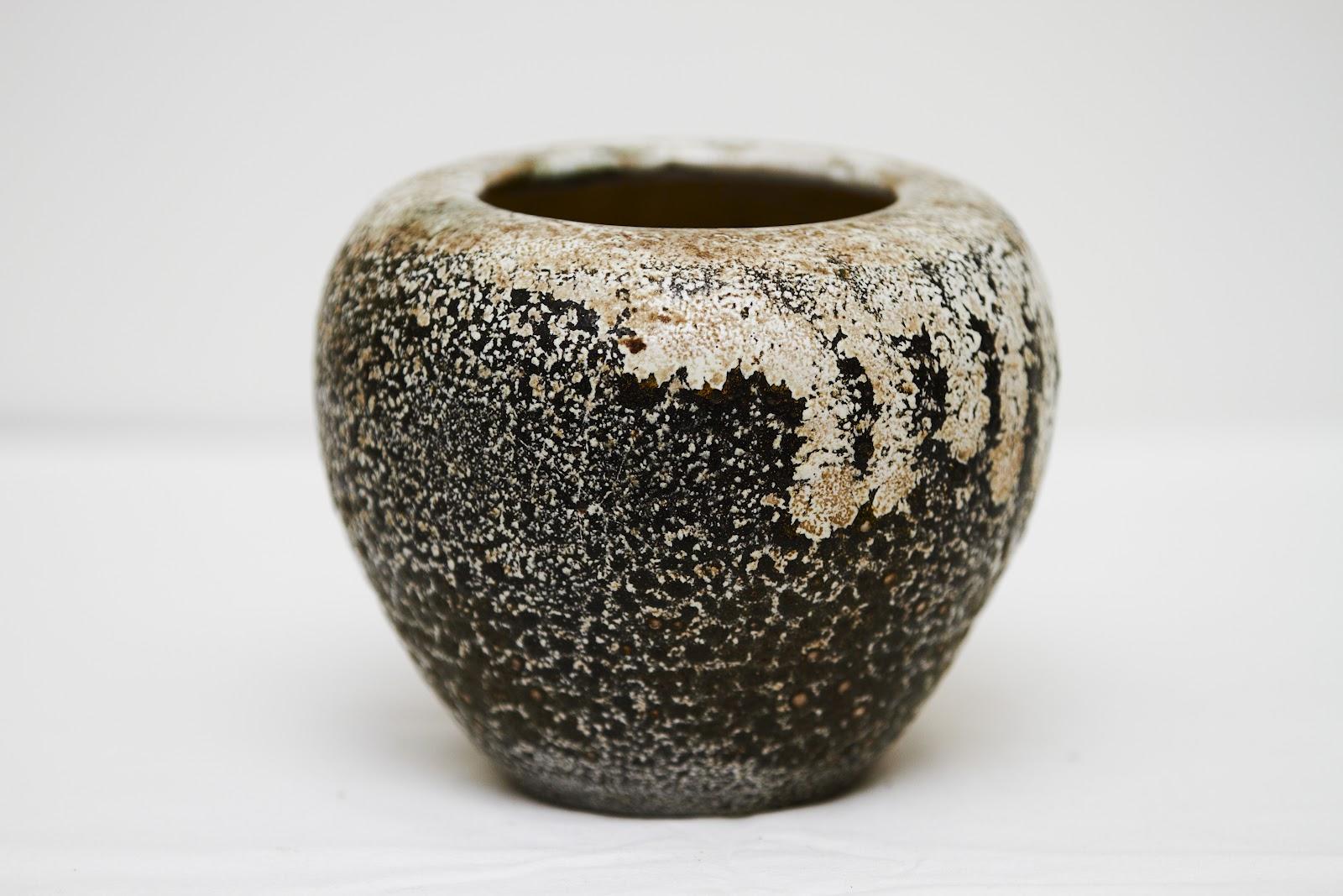 dagnæs keramik Black and white glaze vase, Dagnæs Keramik | Ceramics, early 20th  dagnæs keramik
