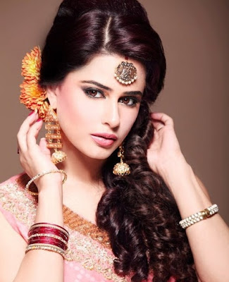 Stylish-indian-bridal-hairstyles-that-perfect-for-wedding-8