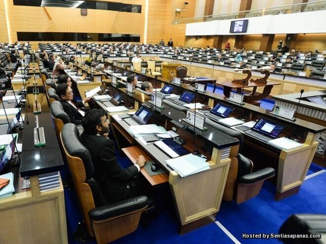 Wang Nadi Politik Menjengkelkan