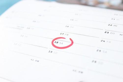 Tempo no calendário, dia de sábado. #PraCegoVer