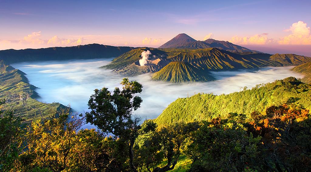 wisatawan indonesia 2016 kabut d Gunung Bromo