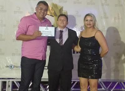 Prefeito Junior Nóbrega recebe prêmio de referência Melhores do Cariri