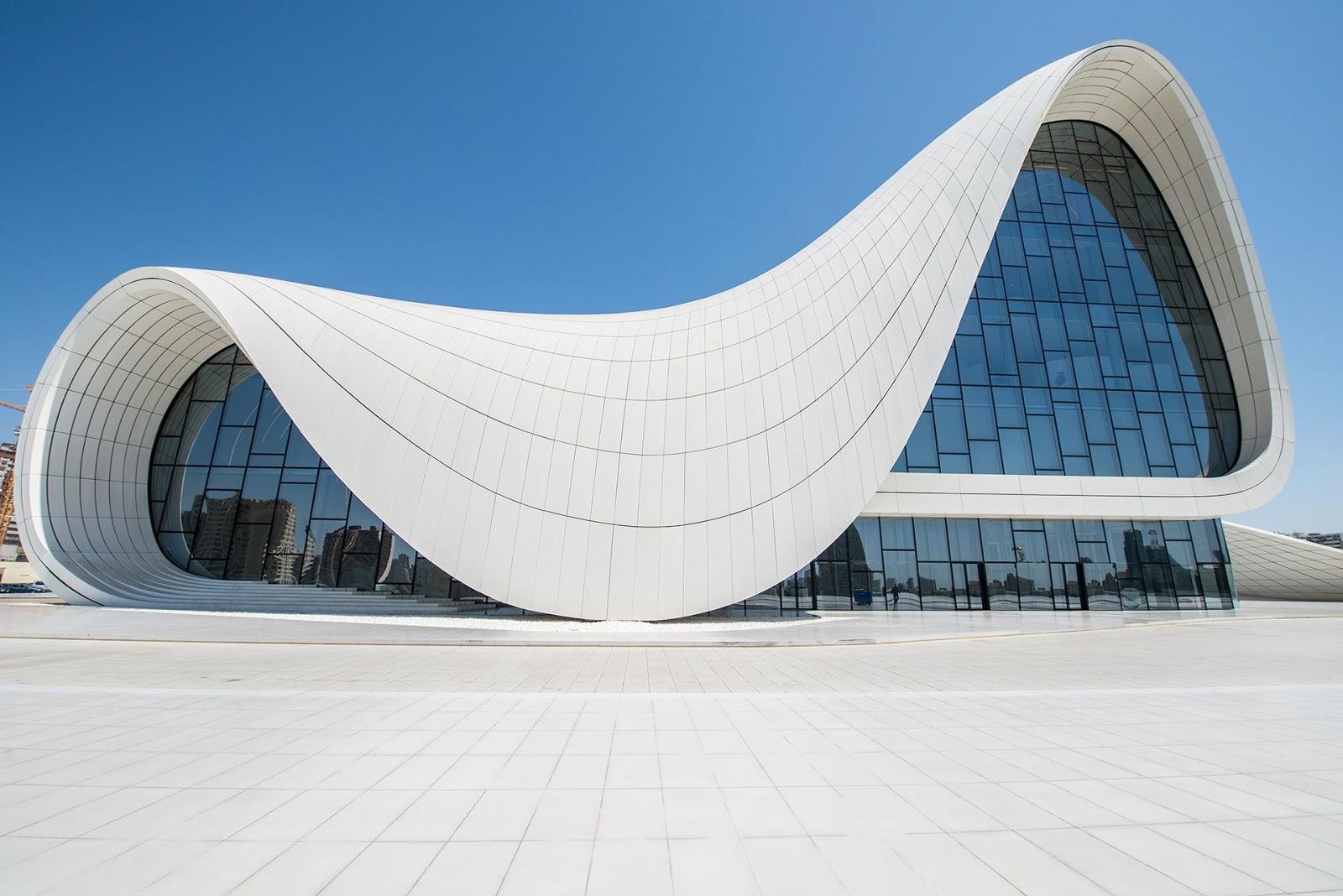 Avibert zaha hadid algunas de sus mayores obras for Arquitectos y sus obras
