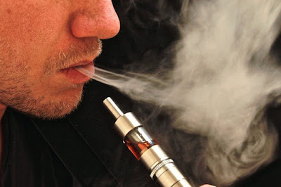 PAU 2015 inglés.  E-Cigarettes increase the risk of flu and pneumonia