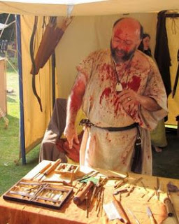 dokter abad pertengahan, medieval doctor