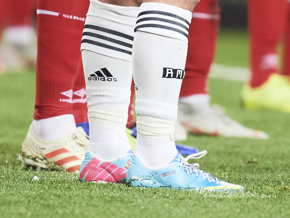 d4d0aa2846d What pair of football shoes did Isco love to wear recently