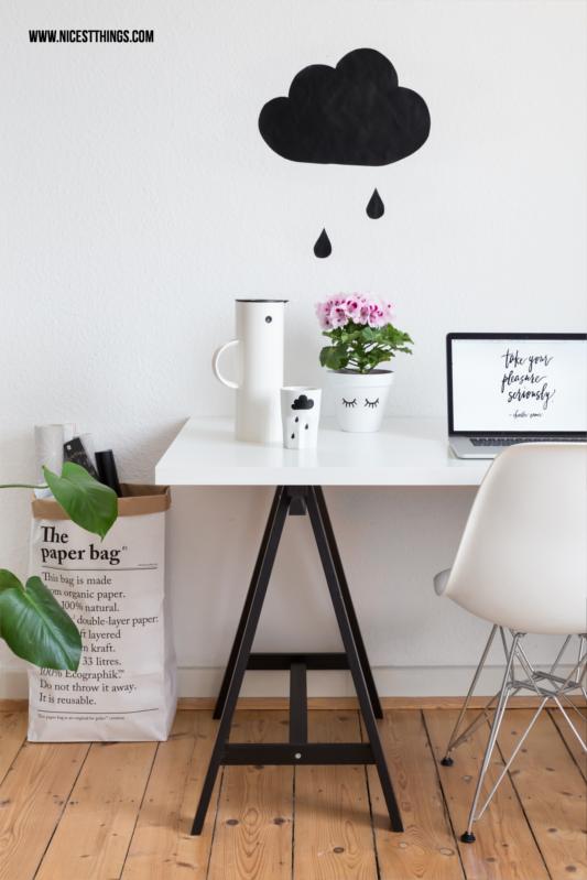 DIY Wolke Wanddeko Tafelfolie Arbeitsplatz im skandinavischen Stil Schwarz-Weiß #wolken homeoffice #tafelfolie #wanddeko