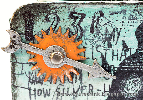 Layers of ink - Suitcase Treasure Tutorial by Anna-Karin with Sizzix dies by Eileen Hull and Tim Holtz Sideshow stamps.