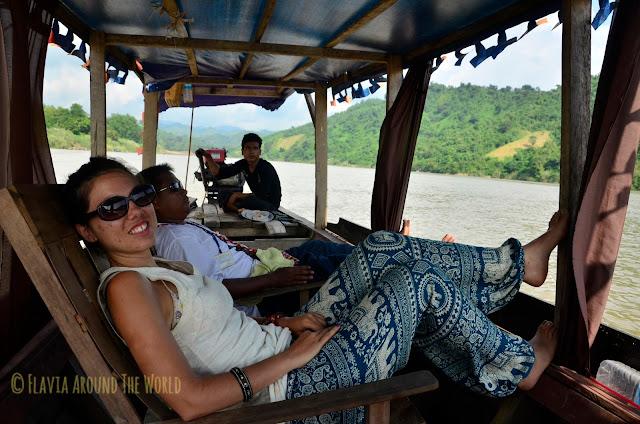 En la barca de regreso a Mrauk U