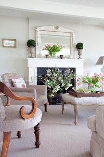 Bunga Hiasan Meja Ruang Tamu, Model Hiasan Ruang Tamu, Hiasan Bunga Rumah Minimalis,