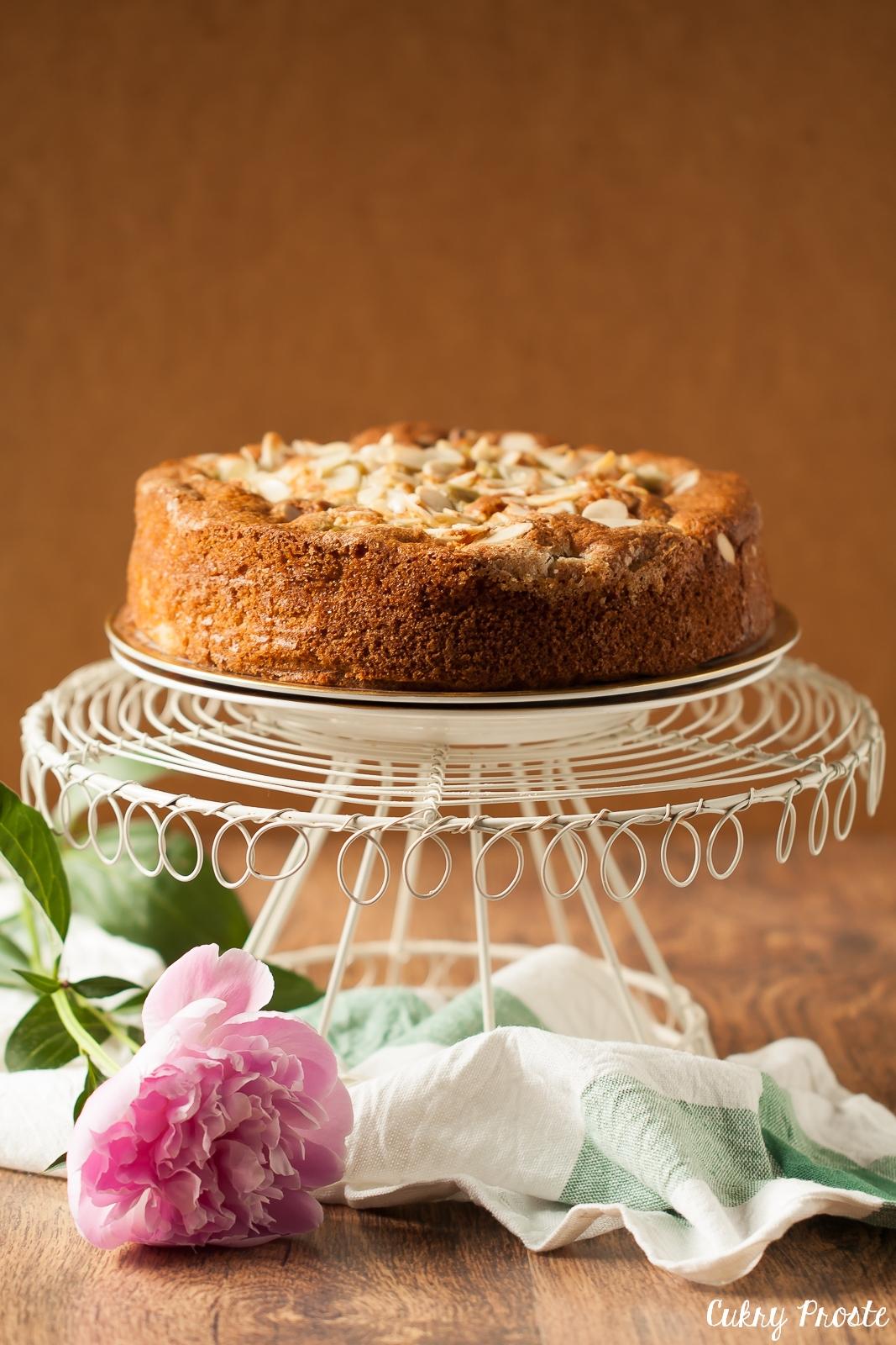 Rabarberkaka - skandynawskie ciasto z rabarbarem