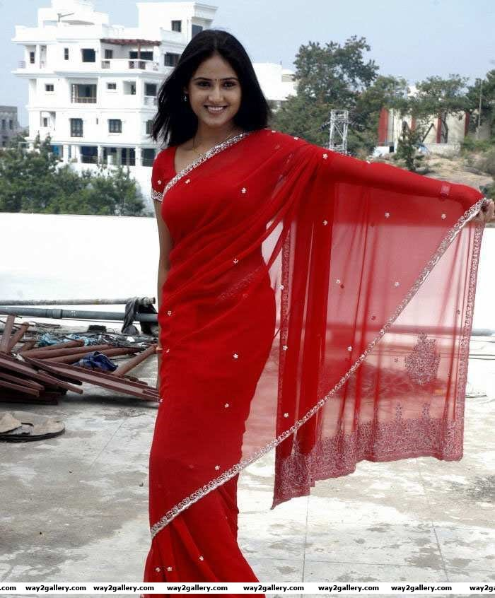 Tollwood Heroines Spicy Saree Pics latest  hot romantic pics