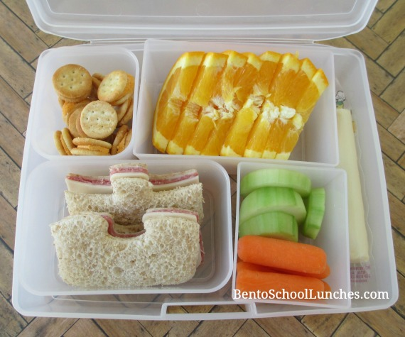 Puzzle themed lunch in Bentology living bentobox