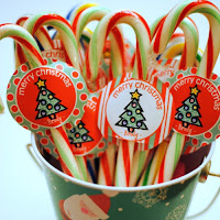 http://sweetmetelmoments.blogspot.com/2011/12/free-printable-merry-christmas-tags.html