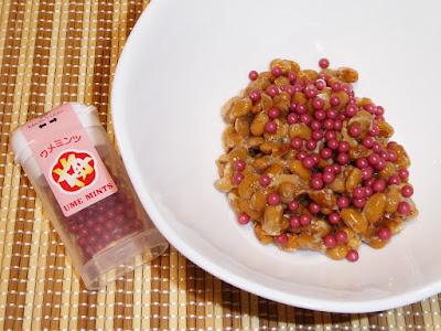納豆にウメミンツ(駄菓子)