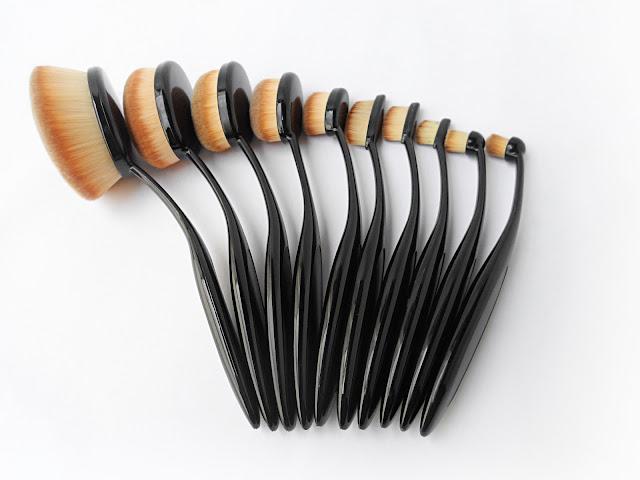 how to use tooth brush oval shape artis makeup brush how apply makeup liz breygel blogger
