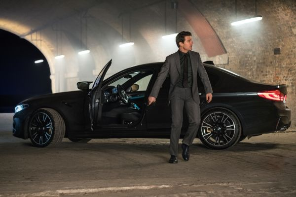 Η BMW συνεργάζεται με την Paramount Pictures στη νέα ταινία 'Επικίνδυνη Αποστολή: Η Πτώση' με την BMW M5 να φιγουράρει δίπλα στον Tom Cruise