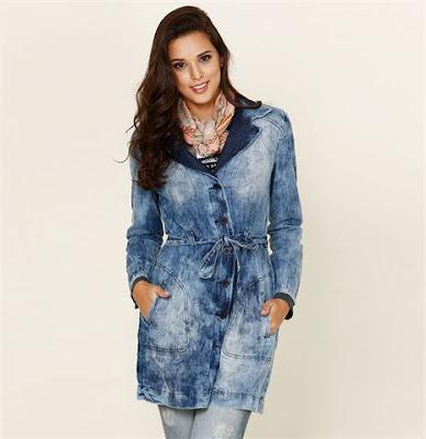 sobretudo feminino curto feminina mulher look inverno casaco lindo estiloso diferente estilo bonito moderno elegante moda jeans manchado