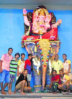ganesha idol made of 30000 tissue paper