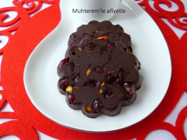 pomegranate chocolate