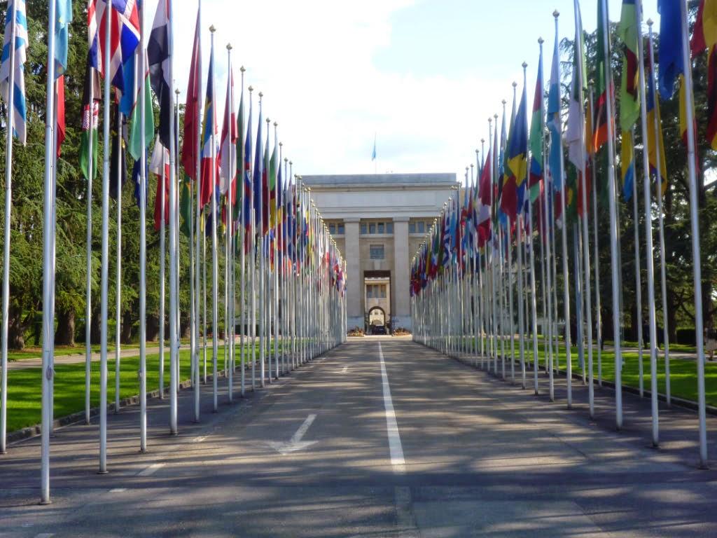 """Résultat de recherche d'images pour """"Genève l'ONU fontaine"""""""