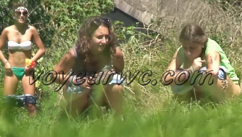 Girls Gotta Go 26 (Drunk Spanish girls pissing on hidden camera in the bushes)