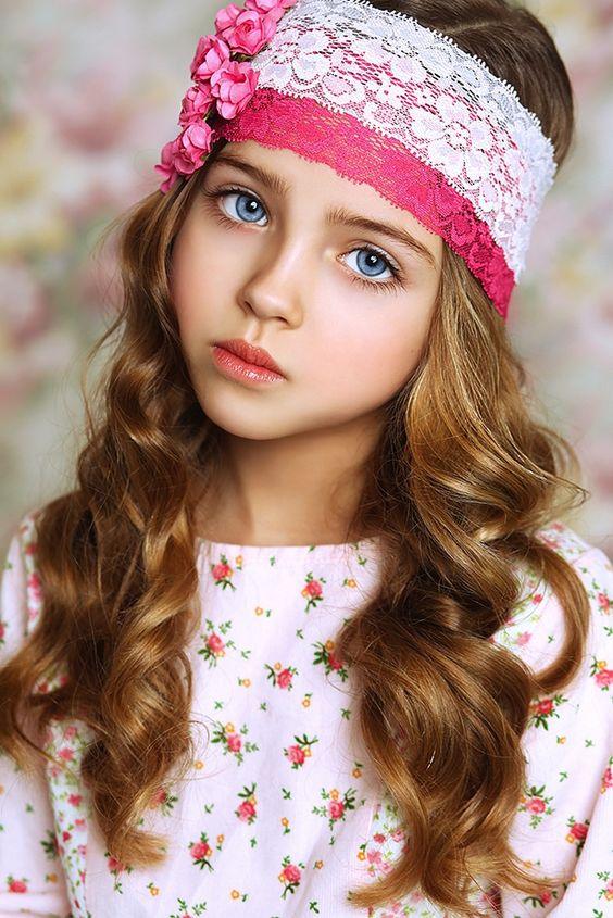 aqu las mejores imgenes de modernos peinados para nias con pelo largo para el como fuente de inspiracin with peinados para nias de pelo rizado