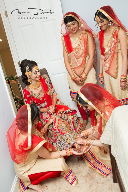 Its Brides Turn To Give Presents Her Maids Chicago Wedding Photography Punjabi Marriage Rituals International Sikh Pictures