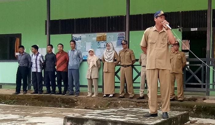 Pelantikan Pengurus OSIS SMAN 1 Nanga Mahap Periode 2017-2018