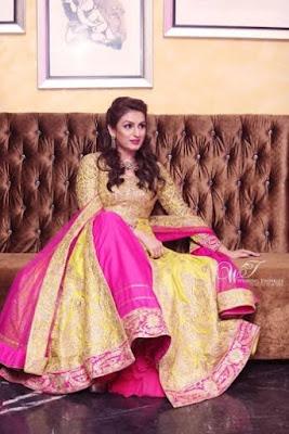 akriti-kakar-engagement-photos1