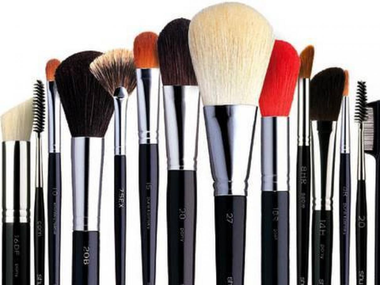 Shop ULTA's array of makeup brushes, cosmetic tools and applicators to ensure perfect results. Find beauty tools for face, nails, eyelashes, eyebrows and more.