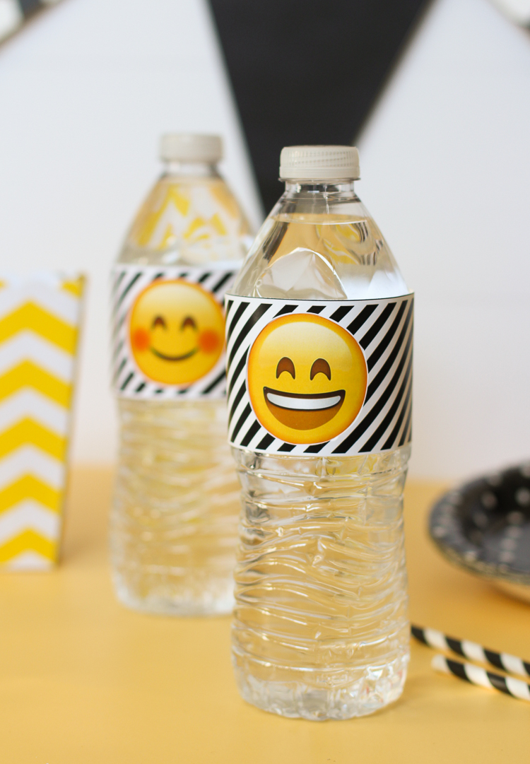 These emoji party printables wrap around a water bottle and spin!