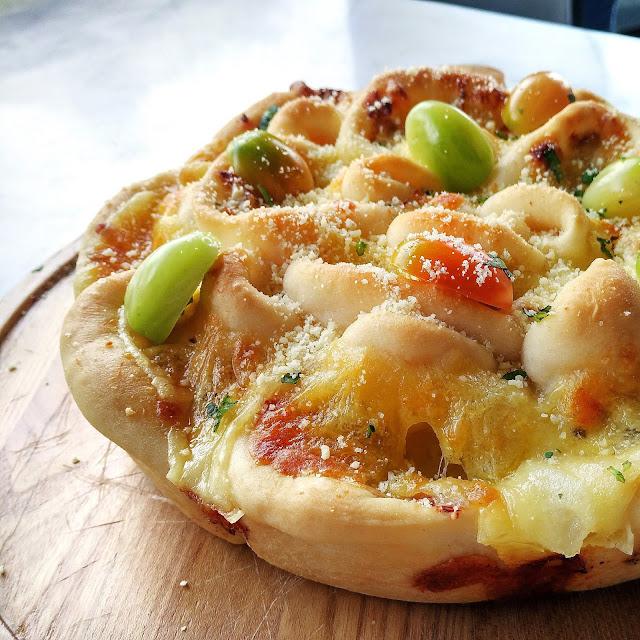 Flower Pizzas