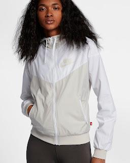 https://www.nike.com/t/sportswear-windrunner-womens-jacket-zdA82k/904306-133