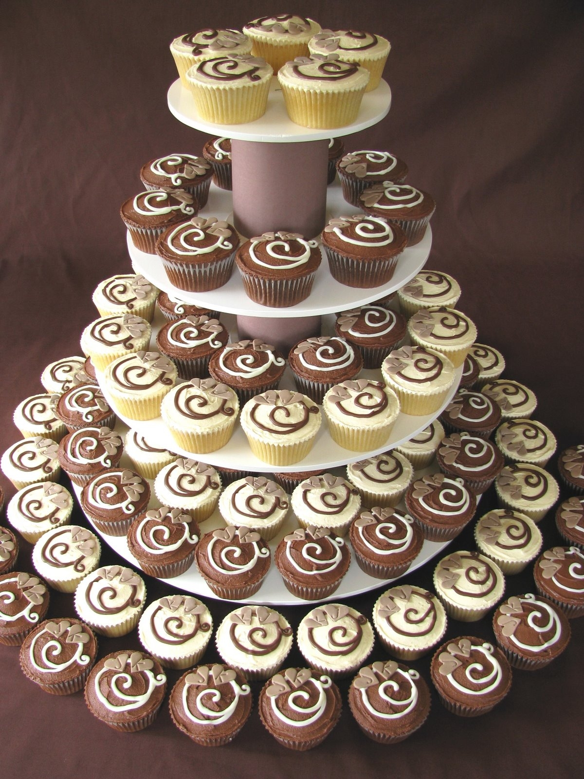 Simple Non White Wedding Cake Cupcakes