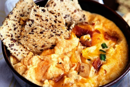 Slow Cooker Butternut Bacon Cheese Dip