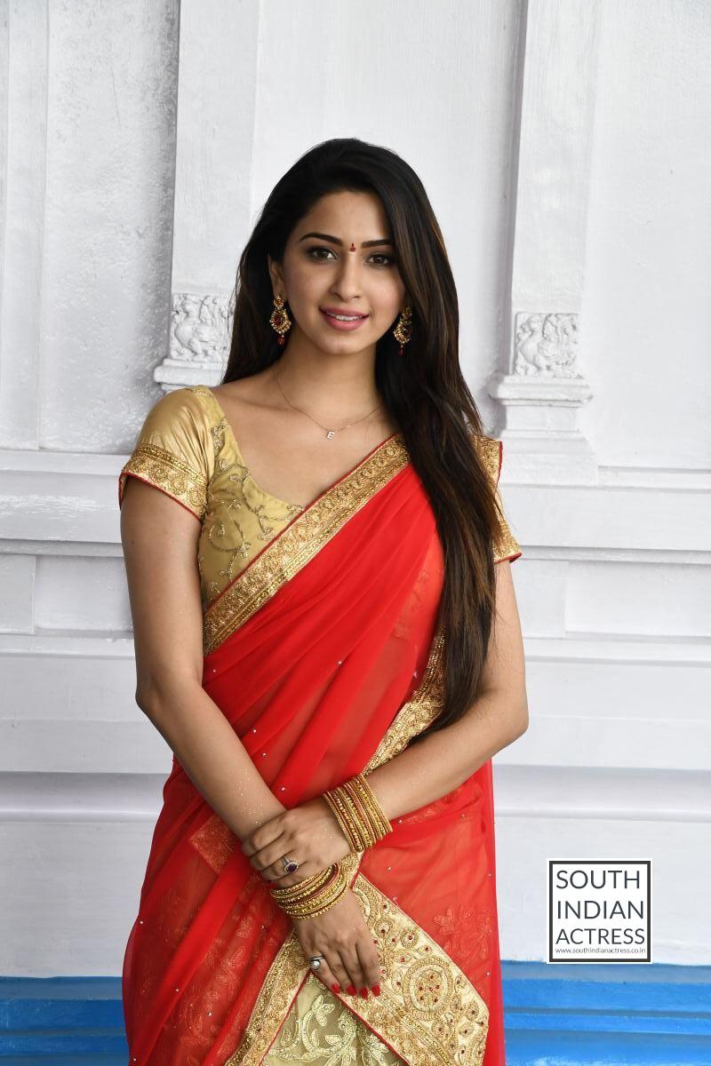 Eshanya Maheshwari Hot Stills At Ammai Nachindi Movie -9199