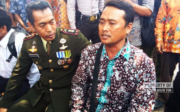 Dandim 0720/Rembang Letkol Inf Darmawan Setiyadi dan Kepala Desa Jambangan, Kecamatan Sarang, Muhamad Hilaludin