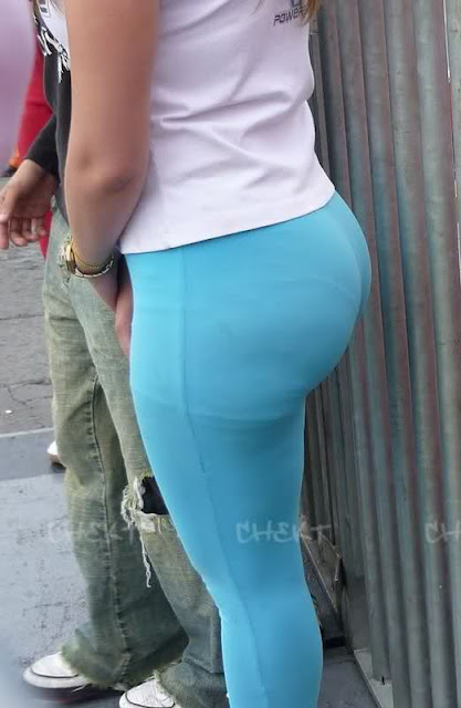 Candid pawg booty in gym bulking season slow motion - 1 part 1