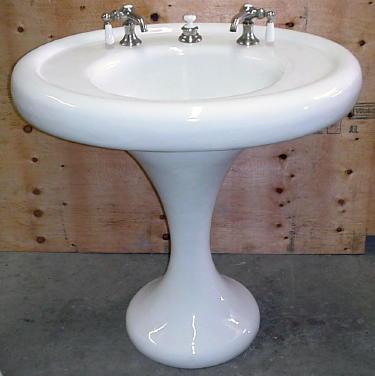 unique pedestal sink   The Vintage Era: Impeccable Pedestal Sink's