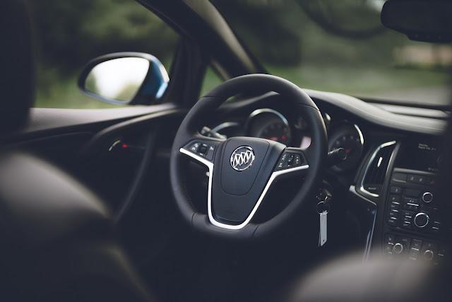 Interior del Buick Cascada Sport Touring 2017 Edición Limitada
