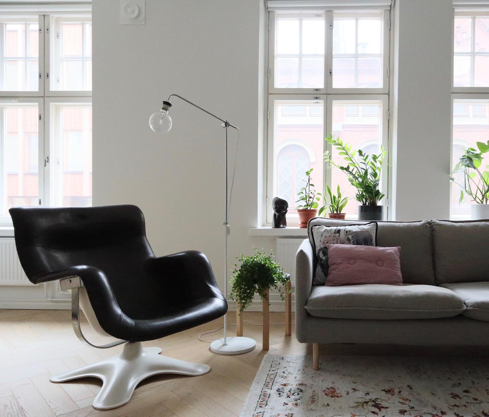 olohuoneen sisustus midmod skandinavian design kukkapuro karuselli livingroom interior