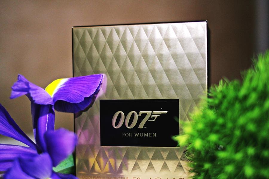 007 bond girl