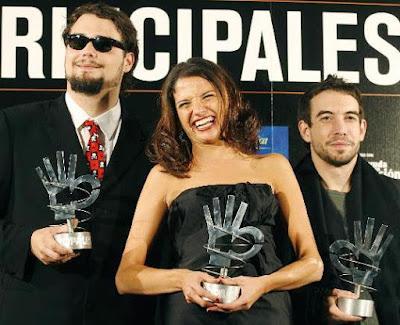 Foto de La Quinta Estación felices con premio