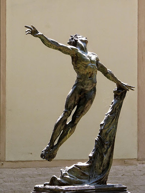 Mikhail Baryshnikov by Greg Wyatt, courtyard of the Schola Cantorum de Paris, rue Saint-Jacques, Paris