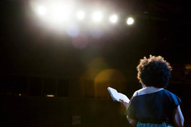 Documentário sobre mulheres na literatura periférica é exibido no Sesc Araraquara