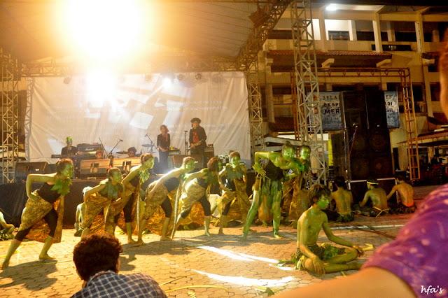 Teater dari Sanggar Sapulidi dan Life Music