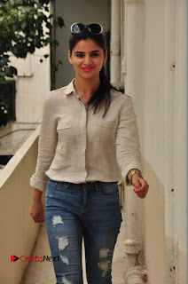 Actress Kamna Ranawath Latest Pictures in Ripped Jeans  0041.JPG