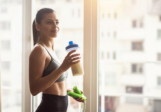 IR-t, pajzsmirigyproblémát is okozhat a fehérjediéta: 3 dolog, amit muszáj tudnod róla