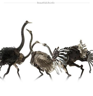 Esculturas de animales con metal reciclado.